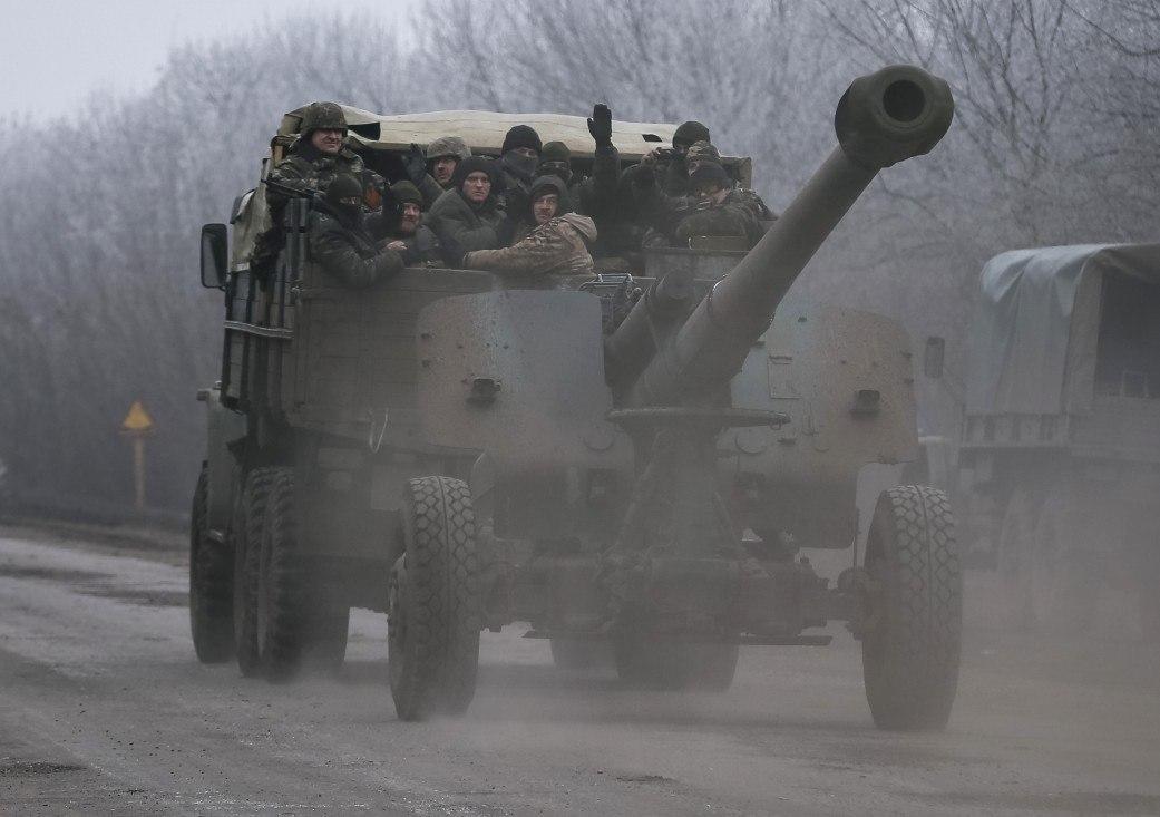 Ukrainian Armed Forces / Zbroyni Syly Ukrayiny - Page 9 FTLN-DpV8ZE