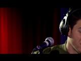 10 апреля Ник исполняет акустический кавер на песню группы 'Years & Years' под названием 'King'