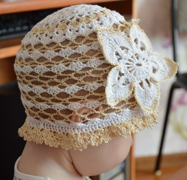 Детская вязаная шапочка из 100% хлопка, Hand Made. Размер 40-49 (1-3 года). Цена 200р.