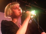 Molly Nilsson - Dear Life (Live @ London Fields Brewhouse, London, 100813)