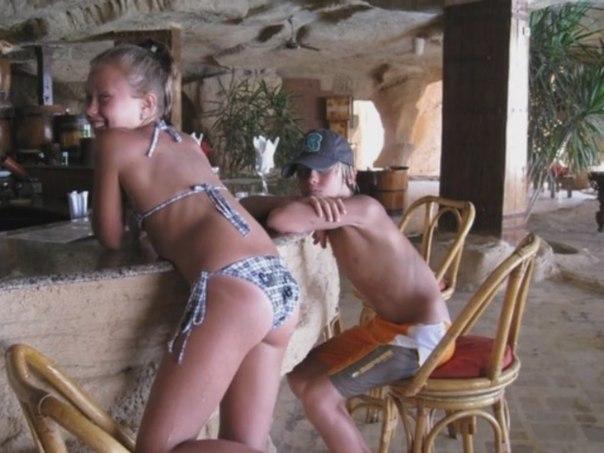 видео голые брат исестра