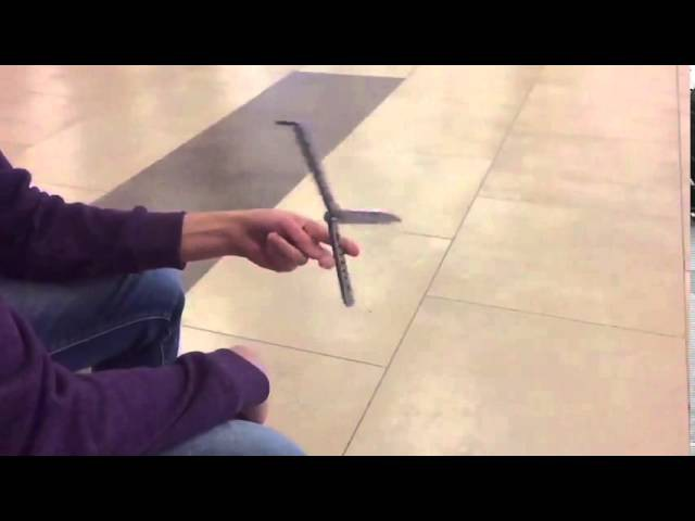 Как крутить нож-бабочку (в замедленной съёмке)