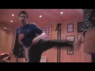 Чемпион мира по таэквондо тренируется с Fitlight Trainer