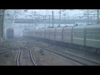Эр787-46 с ретро поездом и ЧС4-204 (КВР) + ЧС4-084 (КВР) с поездом 22 Киев - Москва