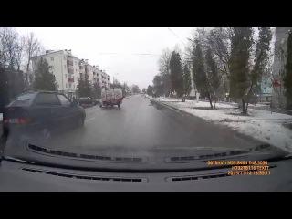 Авария в Зеленодольске 12 11 2015 группа: http://vk.com/avtooko сайт: http://avtoregik.ru Предупрежден значит вооружен: Дтп, ава
