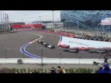 Сочи. Формула 1. Старт гонки. Столкновение Эриксона и Хюлькенберга.
