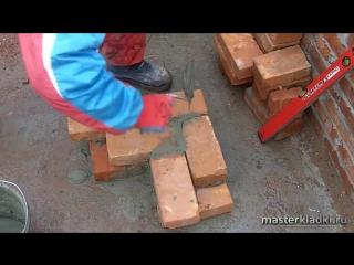 Кирпичная кладка угла в 1 кирпич Многорядная система перевязки - [© masterkladki]