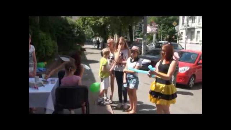 Открытие супермаркета Пчёлка г.Киев Ведущая праздников Юлия Гусарова.