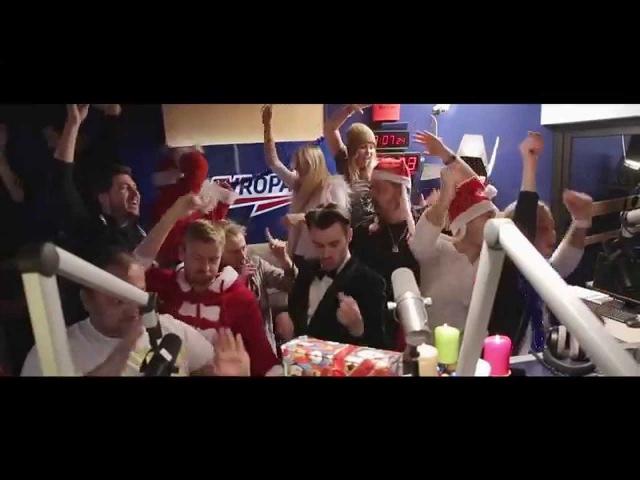 Vánoční song Evropy 2 (2014) - E2 Crew ft. David Guetta Twin, Leoš Mareš, Láďa Hruška, Jakub Kohák. \2015/ YouTube. в кч.720p.HD!