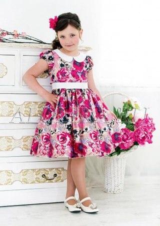 Платье в цветочек для девочки