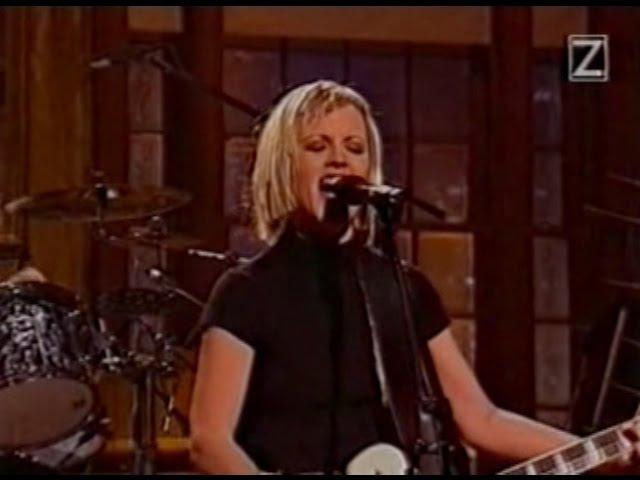 The Cranberries - Zombie (SNL 1995) [HQ]