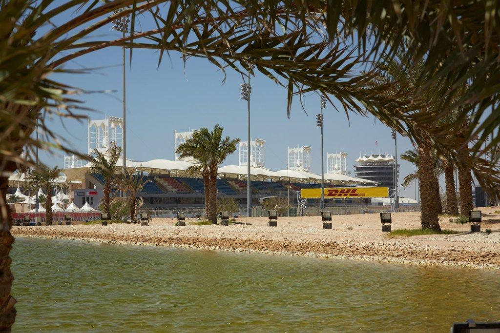 Виды международного гоночного автодрома в Бахрейне