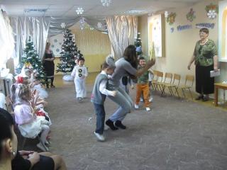 Утренник. Новый год. Средняя группа. ДНЗ №441. Танец мышей