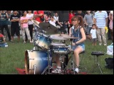 Incredible Girl STREET DRUMMER from Taiwan Draws big crowds! S WHITE Amazing