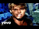 Ricky Martin - She Bangs (English)