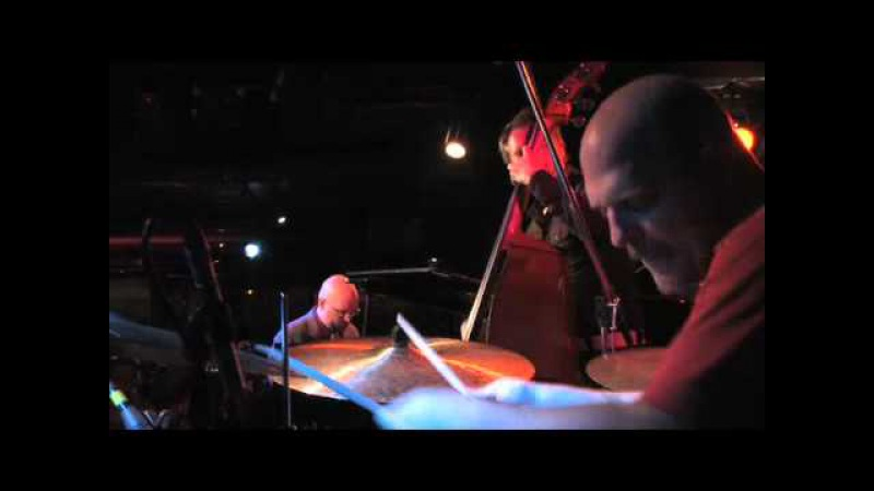The Bad Plus - Everybody Wants To Rule The World