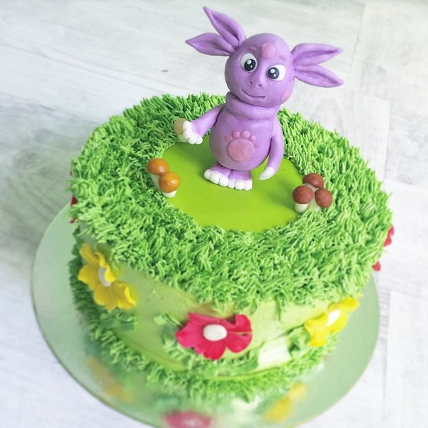 торт лунтик фото кремовый