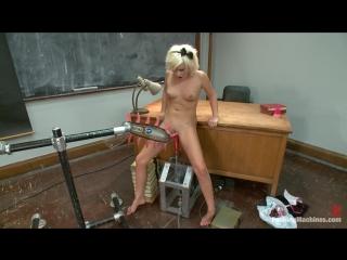 Kelly Surfer | FuckingMachines.com | Sex machines | Kink.com