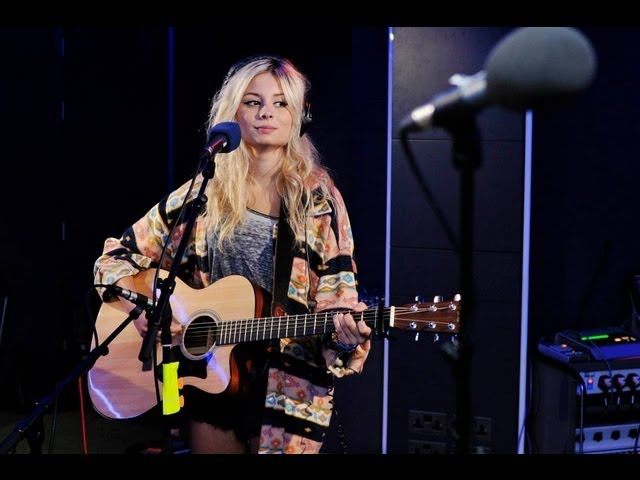 Nina Nesbitt - Love Me Again (John Newman Cover) In The Live Lounge