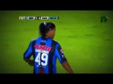 Ronaldinho takes the ball from the Goalkeeper Queretaro vs Santos 3 0 Liga MX Final Vuelta
