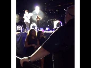Smithers x Payno on Instagram: Sophia, Em, and Lottie at the concert in East Rutherford, NJ- August 5  #sophiasmith #sophiam #lottietomlinsom #emcrosby