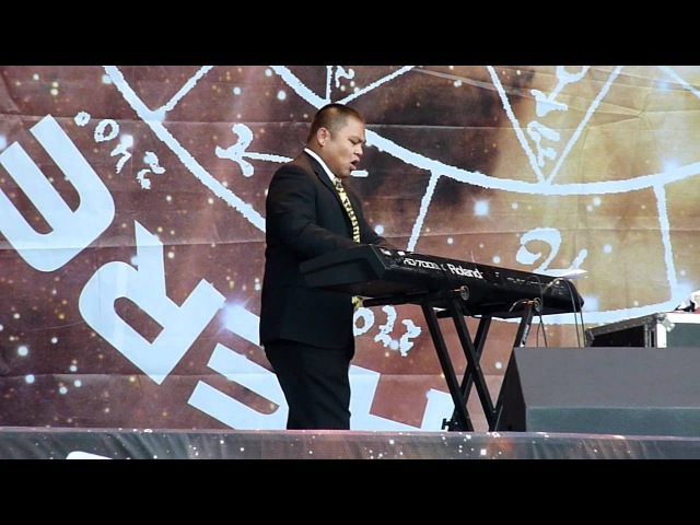 Richard Cheese - People = Shit Live at Sonisphere Festival UK 2011