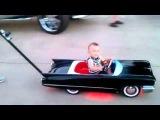 Самая крутая коляска у малыша!