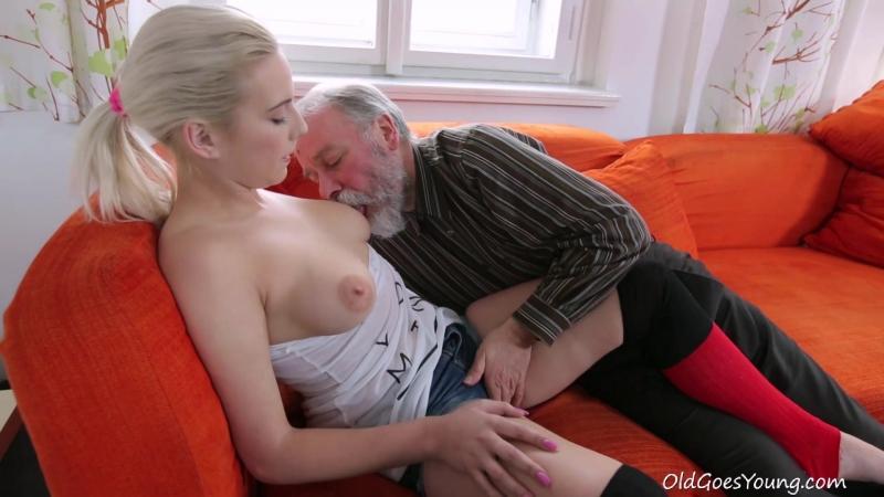 Порно сосет старому деду фото 654-303