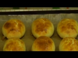 Пирожки из дрожжевого (хрущевского) теста.