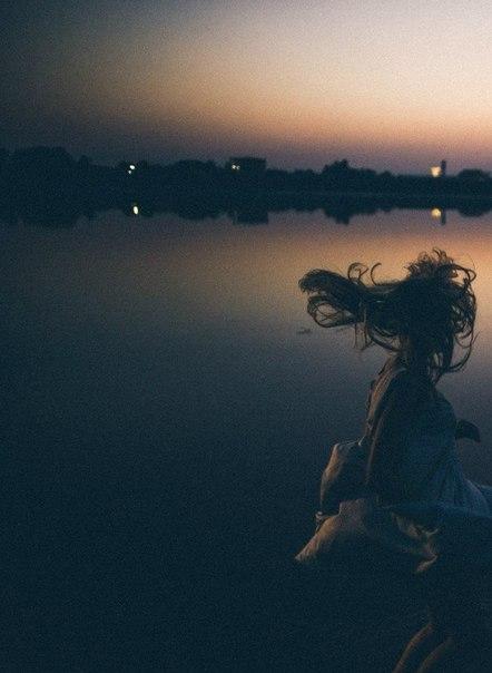 Ты - часть меня. Ты была рядом, когда это было нужно. Ведь ты спасала меня от ме...