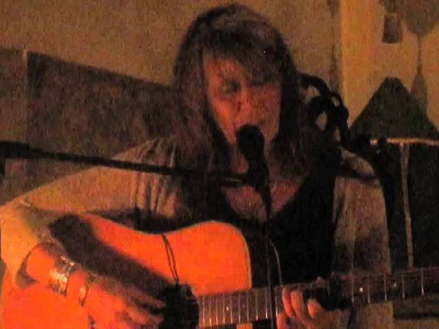 Vashti Bunyan - Train Song (Live @ St Pancras Old Church, London, 09/10/14)