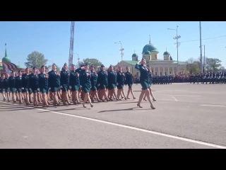 Девчата на Параде
