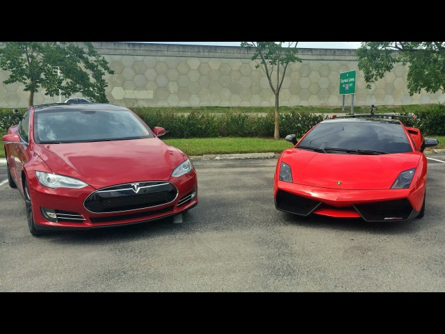 Tesla Model S P85 vs Lamborghini Gallardo LP570-4 Super Trofeo Stradale Head up Drag Racing