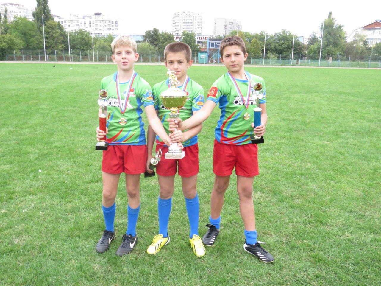 Юные таганрогские регбисты вернулись с Москвы с победой!