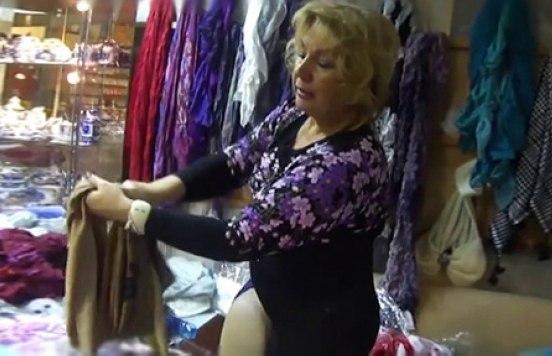 Лучшая инструкция по тому, как завязывать всякие палантины-шарфы-платки: ↪ Это не видео, а сокровище настоящее!