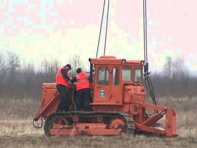 ми-26 тащит трактор » Freewka.com - Смотреть онлайн в хорощем качестве