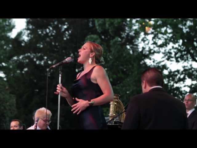 Pink Martini (with singer Storm Large) - Amado Mio