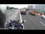 отчаянный хруст мотоциклист подрезает авто