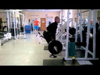 140 кг на 12 раз Становая тяга с ужастным срывом