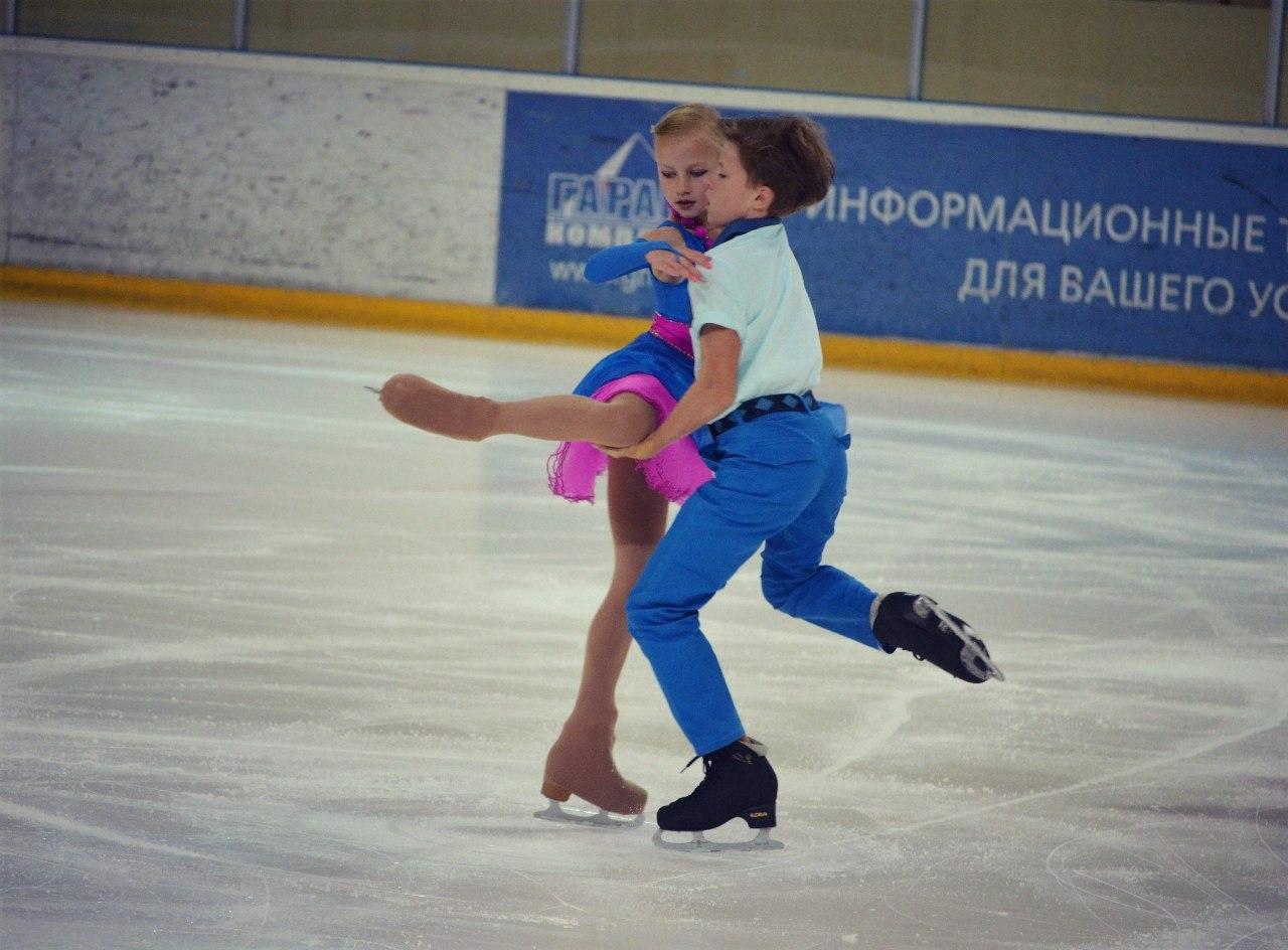 Ледовые шоу-2 - Страница 46 ROyskWCYDjk