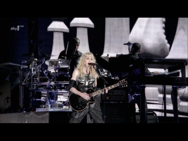Madonna - Hung up (with Pantera A New Level riffs) - Sticky Sweet Tour 2009 [Sky1 HD]