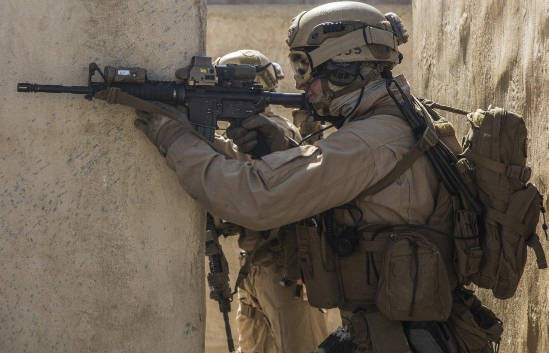 US Marine Corps (USMC) - Page 13 C6rMFa_hS-g