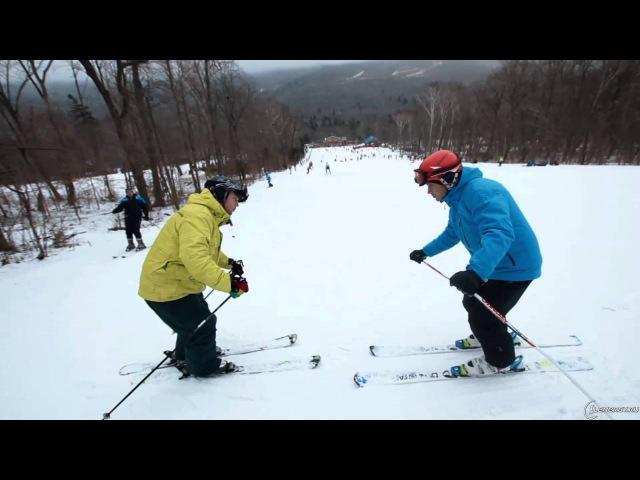 Укол палкой и базовый поворот на параллельных лыжах большого радиуса