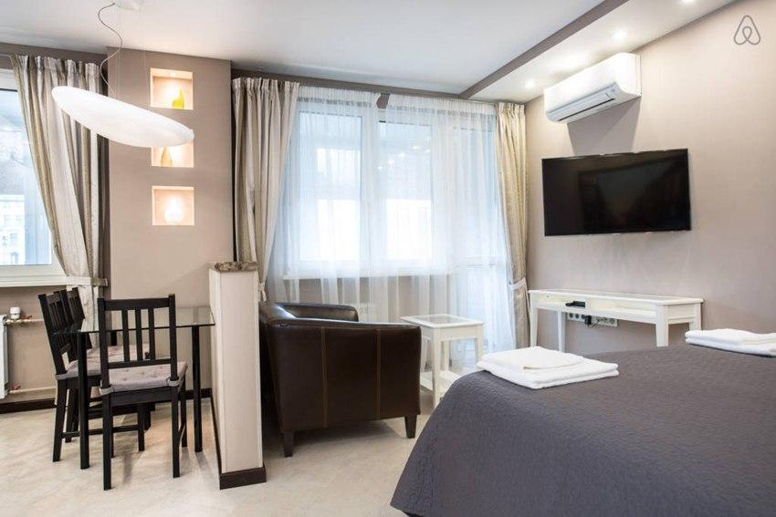 Интерьер квартиры-студии без точного метража в Москве.