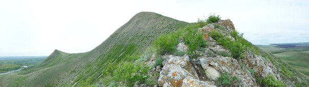 Выходы скальных останцов на юго-восточном склоне г.Верблюжка