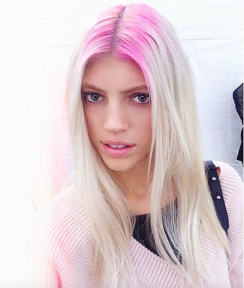 Розовые цветные волос