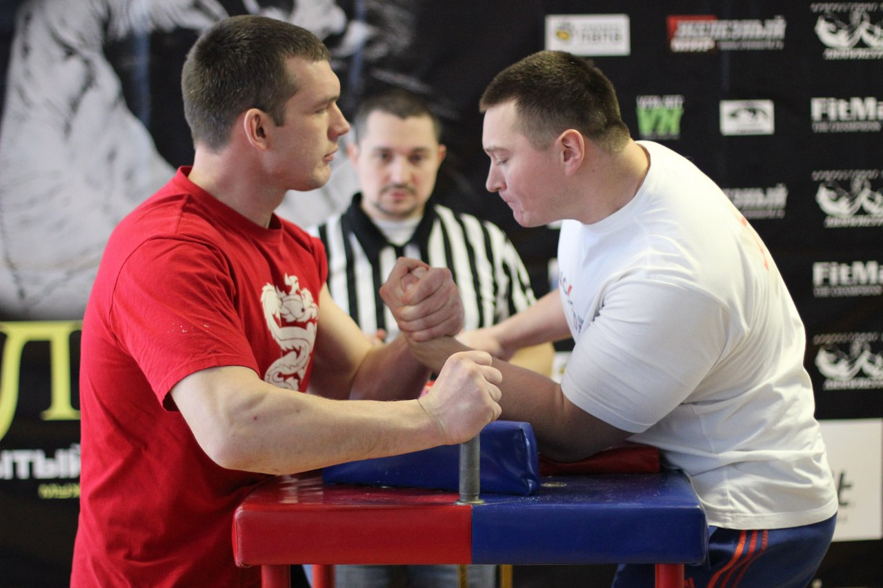Sergey Tokarev +90 kg, LEFTY 2015, Armwrestling tournament in Moscow