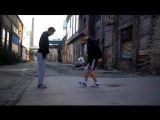 Чудеса с футбольным мячем! Крутые финты. Фристайл с мячем. Футбол. Жесть! Смотреть до конца!