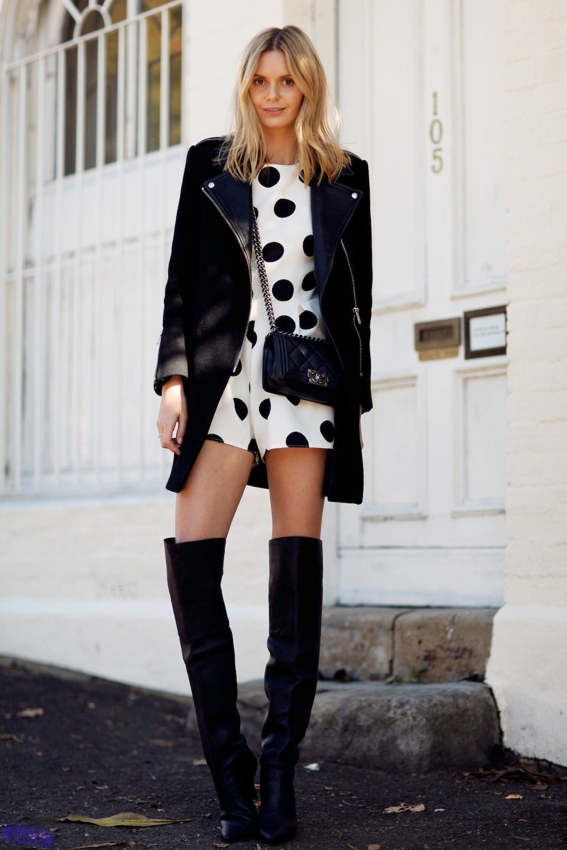 Девушка в коротком пальто фото