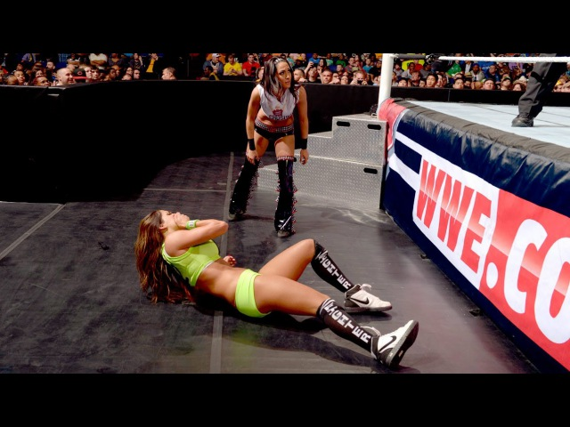 WWE Main Event 01.04.2014 - Tamina Snuka vs.Nikki Bella